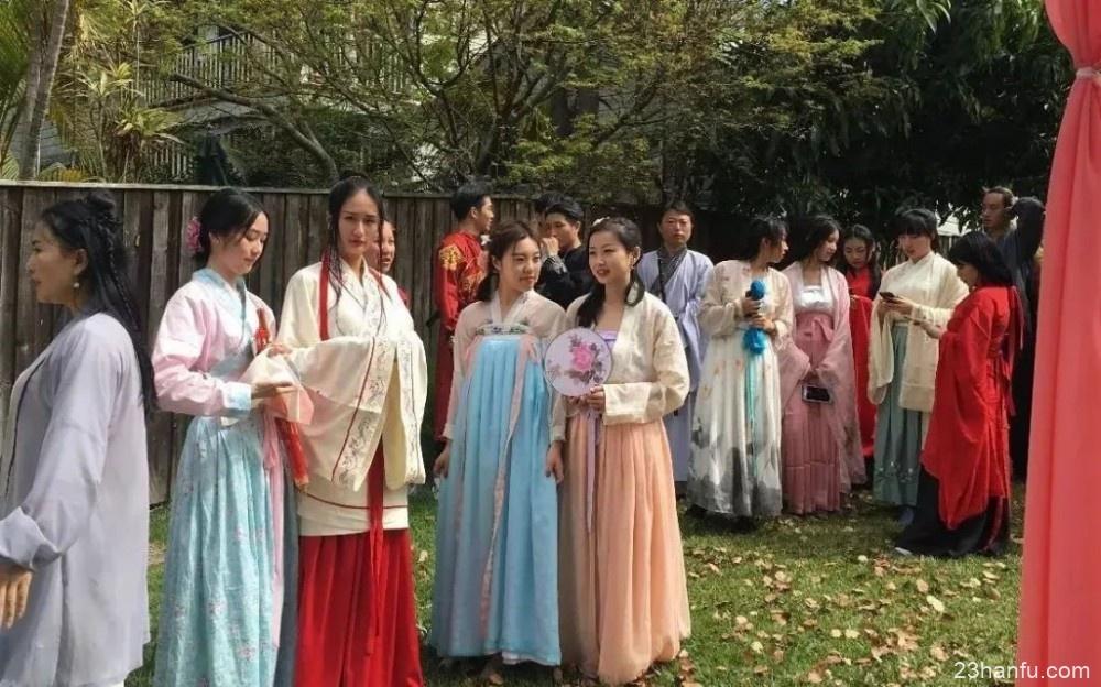 穿汉服送外卖的90后中国留学生 就在澳洲!