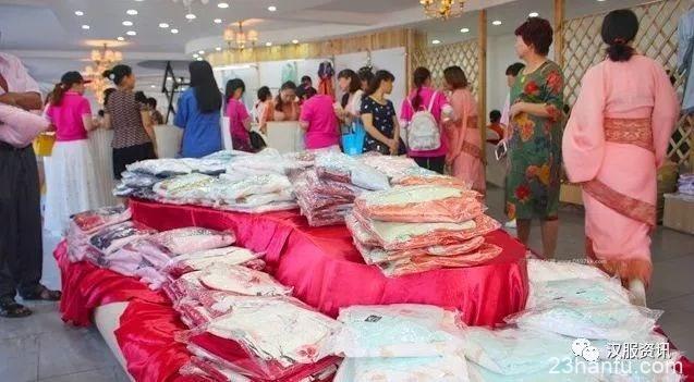 身价十几亿的老板亲自穿汉服,决心要做汉文化各家媒体争相报道!