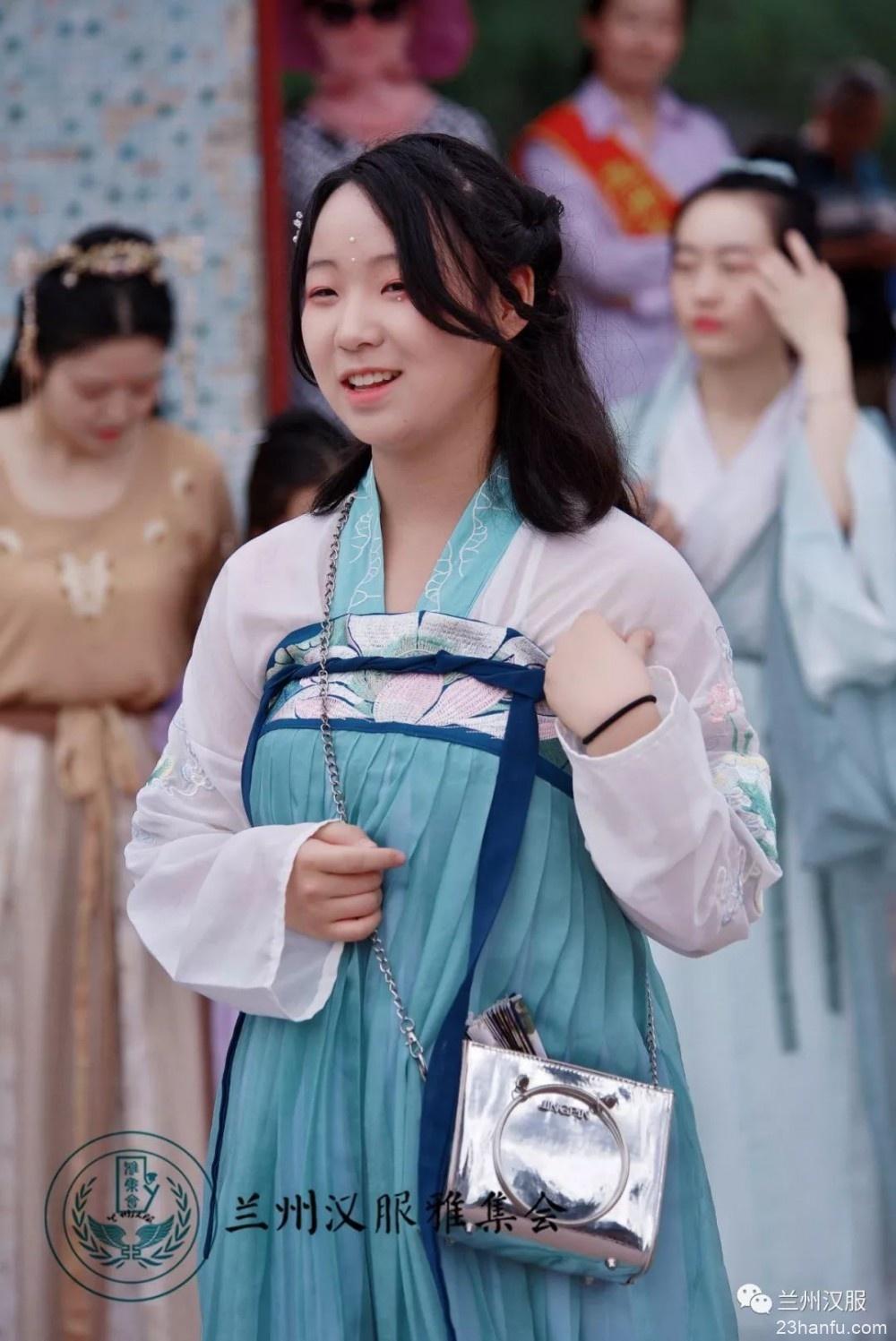 【活动返图】粽包分两髻,艾束著危冠——己亥年端午节活动