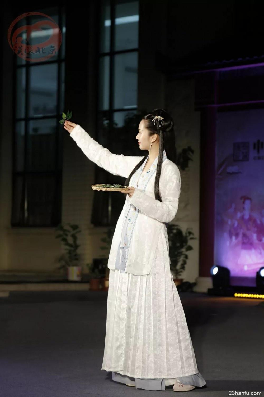中国桑蚕丝绸文化展开馆仪式表演记