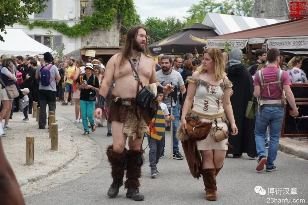 一次时空置换,一场服饰盛宴 | 汉服行走在中世纪