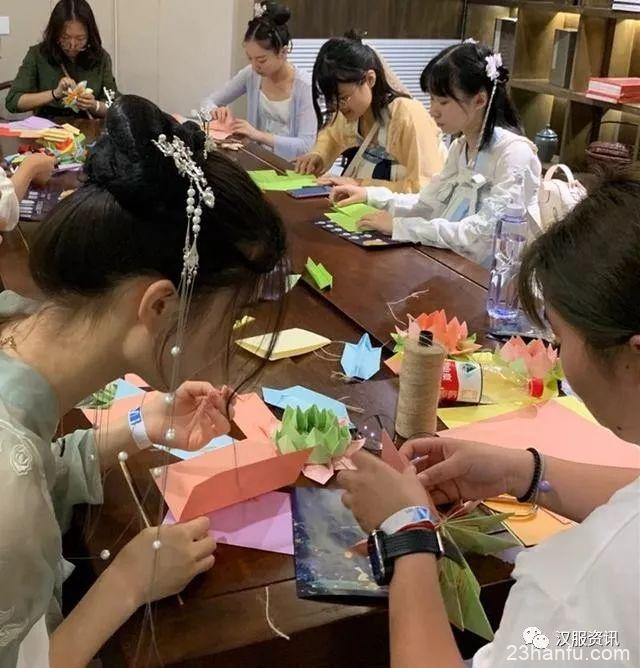 """""""汉服""""为何会流行?日本人在汉服活动的发现"""