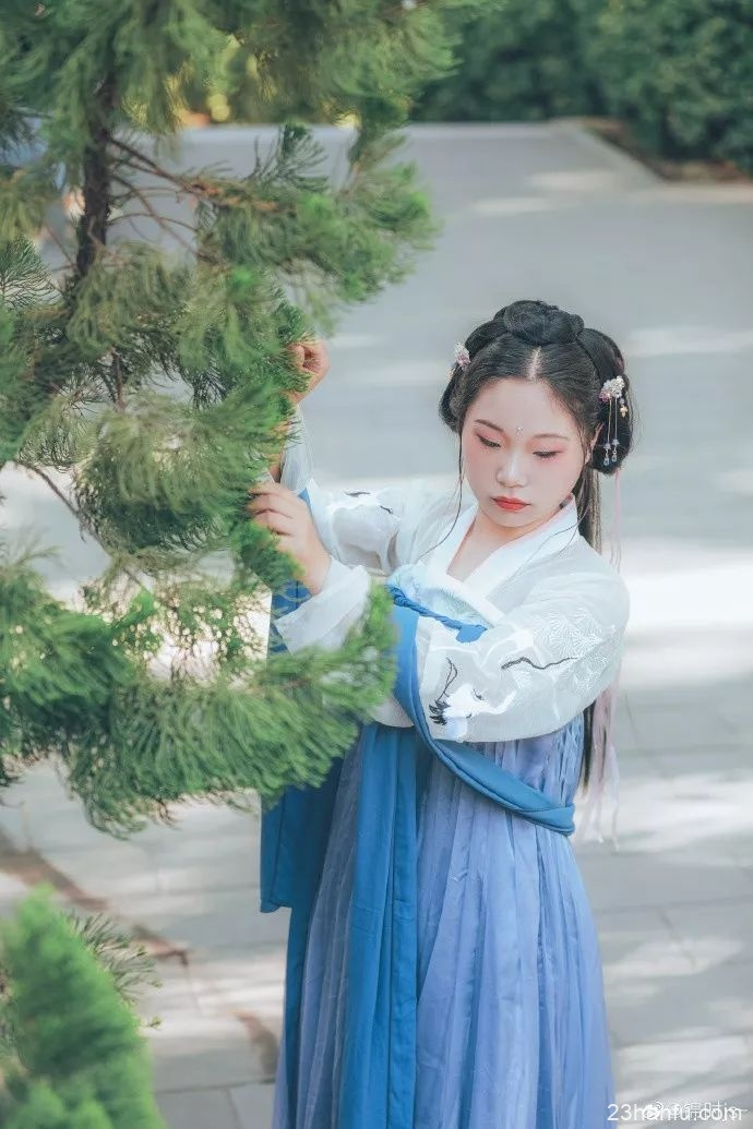 汉服成文化产业新时尚 将在南京融交会上精彩亮相