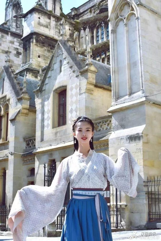 一身汉服,一架古筝,这个95后姑娘惊艳法兰西!