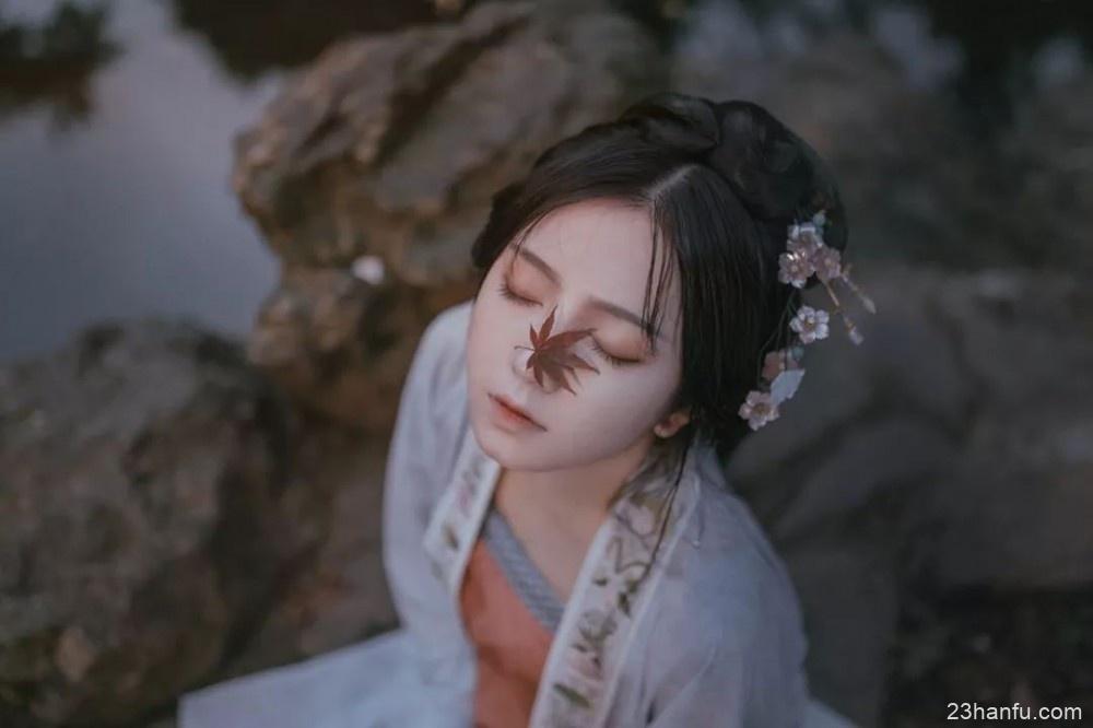 【汉服摄影】秋色 · 因汉服更加生动