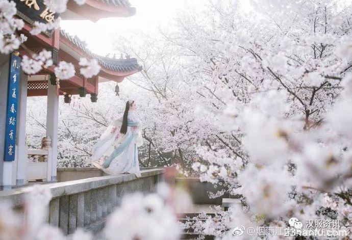 【汉服美图】苍山暮雪