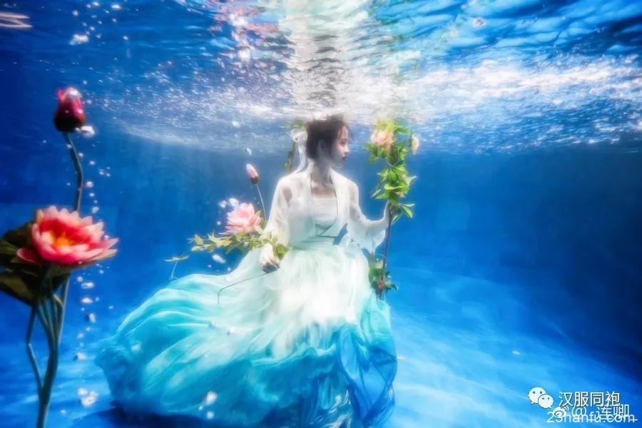 【汉服美图】游仙梦觉,不知身在何处。