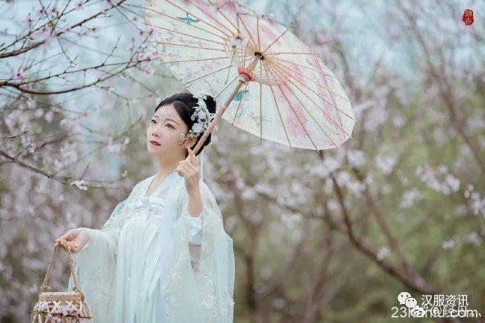 【汉服摄影】白雪却嫌春色晚