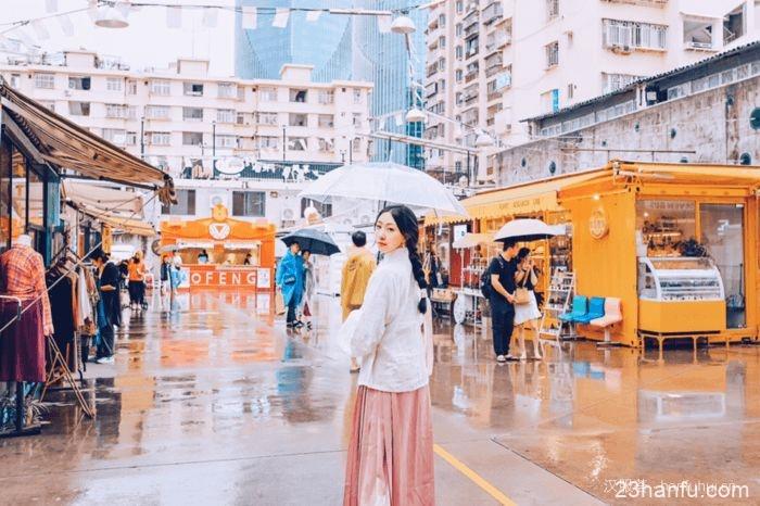 【汉服街拍】下雨天穿汉服,可以怎样嗨?