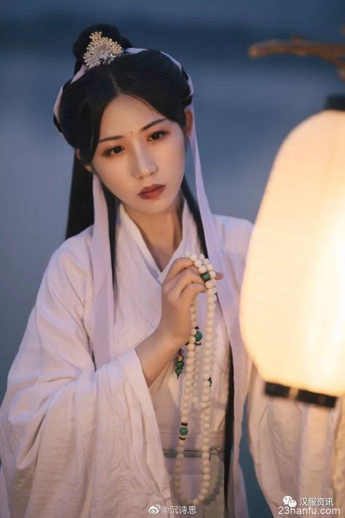 【汉服私影】青灯行
