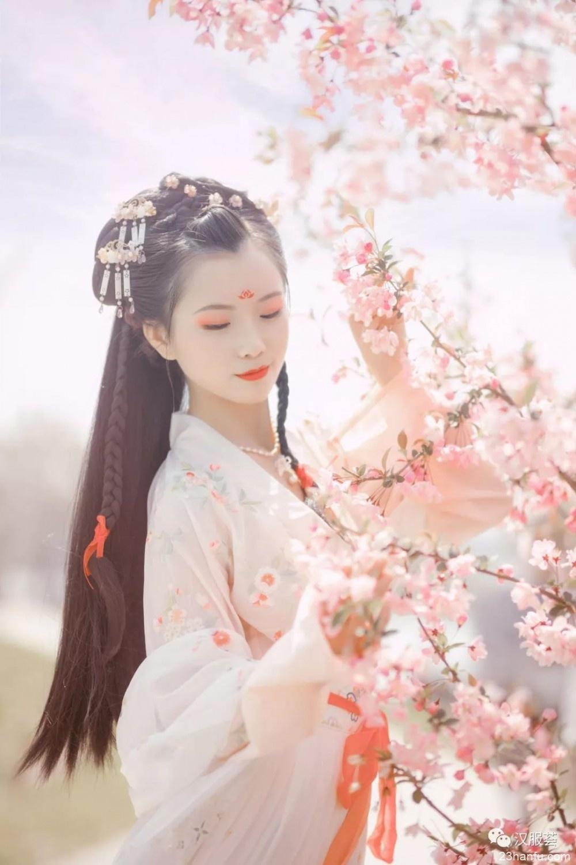 【汉服美景】海棠春睡