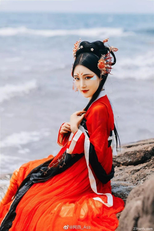 【汉服美图】锦鲤来袭,水逆退散!