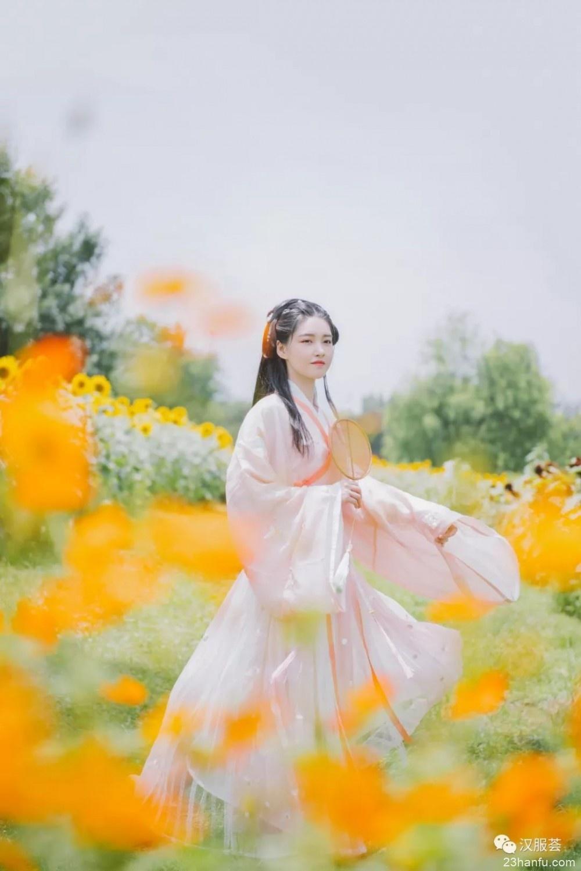 【汉服摄影】面朝阳光,心情也会更加灿烂