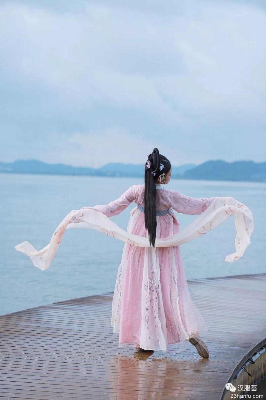 【汉服美景】罗衣何飘飘,轻裾随风远