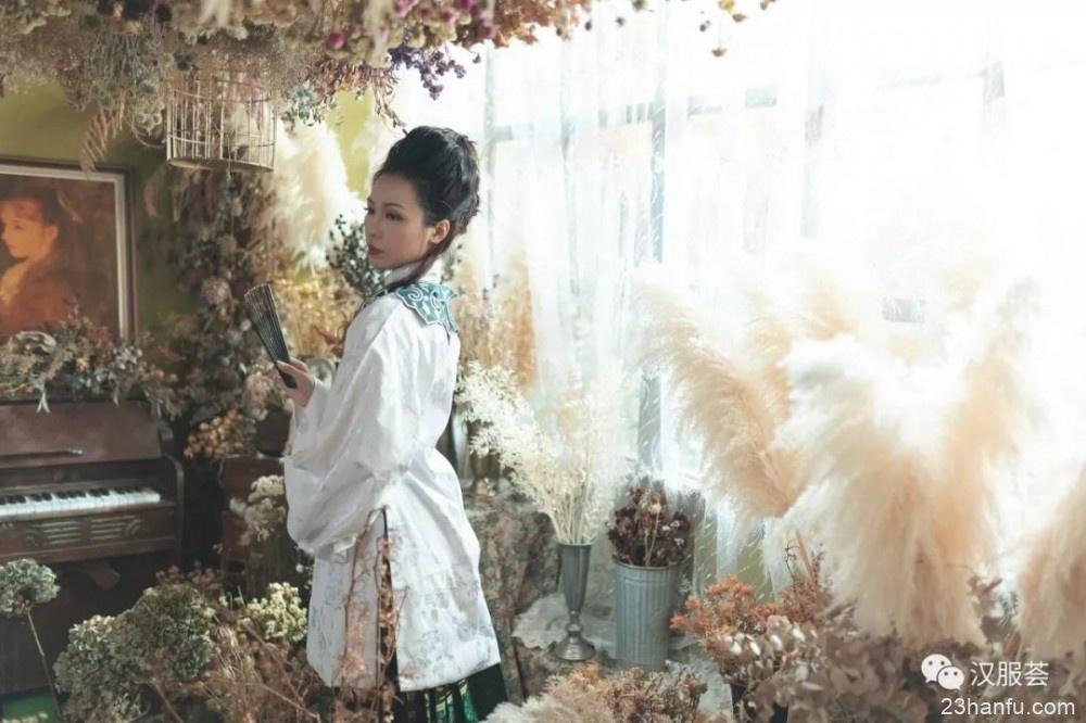 【汉服摄影】充满鲜花的世界到底在哪里?