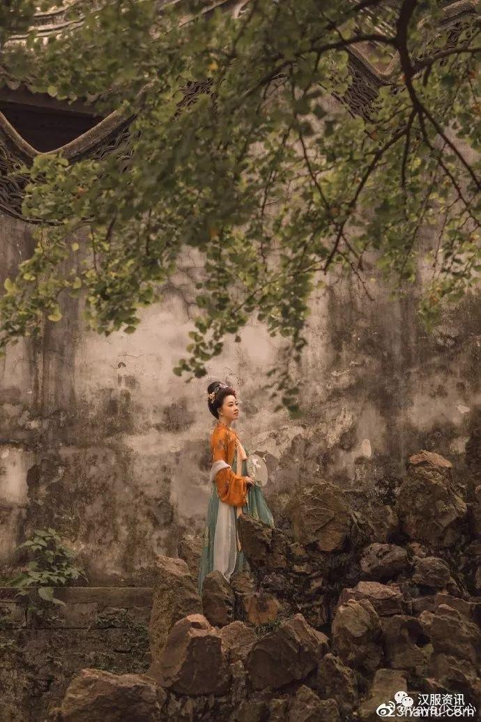 【汉服私影】树影婆娑
