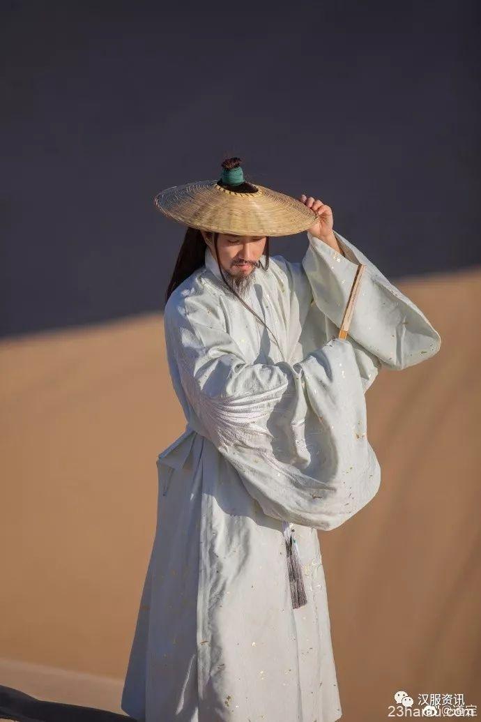 【汉服私影】大漠狂沙不归客 何须问