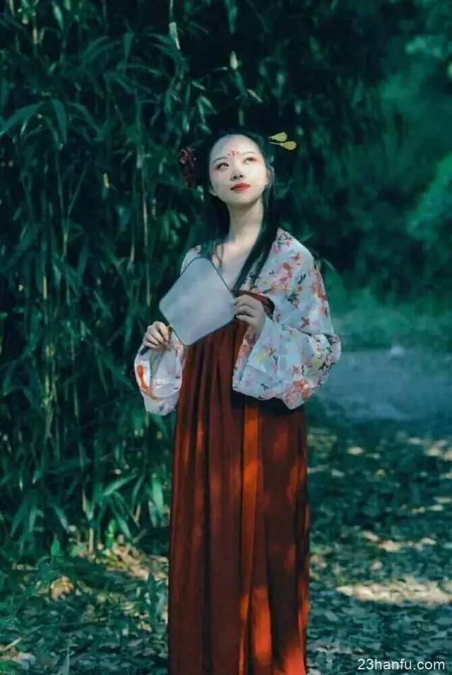 从汉服复兴感知传统文化的魅力,青年一代任重道远