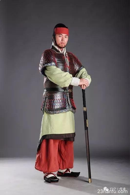何意百炼刚 化为绕指柔 ——致力于汉服与铠甲复原的年轻人们