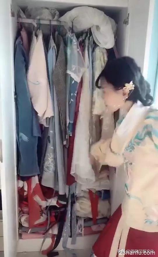 """据说从衣柜的汉服,就能看出小姐姐""""入坑""""多久"""