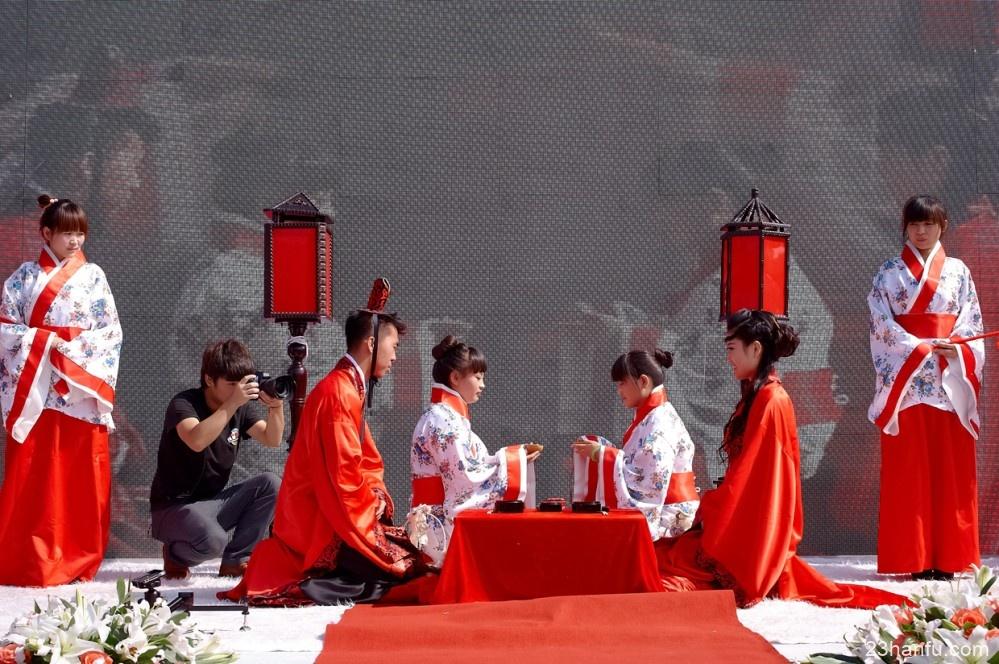 执子之手,与子偕老 美丽而庄严的汉式婚礼