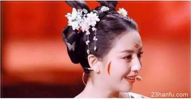 汉服妆容 | 点花钿 · 描青黛,又是一年好春朝