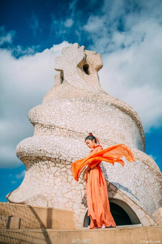 【汉服旅行】她带着汉服拍遍十几个国家,仅用1张照片,便征服了世界