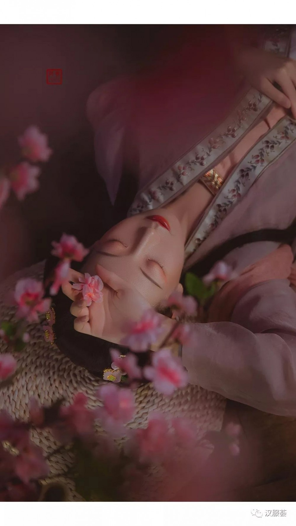【汉服仕女】蹙眉远山含黛,微嗔春来早